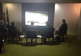 NATAL ANTECIPADO: Deputados têm 'upgrade' e ganham televisor de 92 polegadas no cafezinho