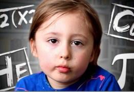 Vídeo -Neurocientista testa supostos poderes telepáticos de menino autista