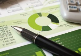 Tem dívida atrasada? Lojas e bancos dão descontos em feirão online