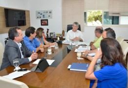 Ricardo discute logística montada para Fórum de Governança da Internet com representantes da Energisa