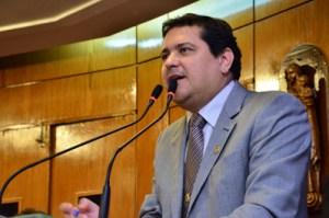 """renato martins 300x199 - Renato Martins é empossado na CMJP e diz que que vai estar na """"bancada da proposição"""""""