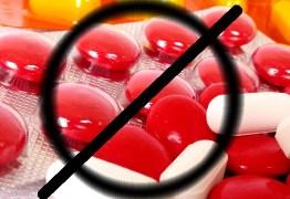 Farmacêutica faz alerta sobre os riscos da automedicação