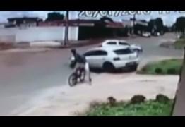 MUITA SORTE: Ciclista é atropelado mas sobrevive ileso – VEJA VÍDEO