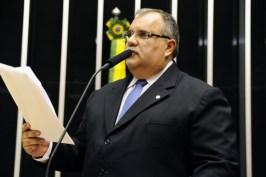 romulo gouveia divulgacao 300x200 - Rômulo nega qualquer verba aprovada para cidade em Mato Grosso do Sul
