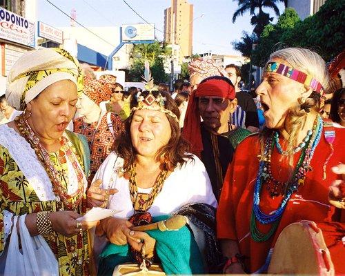 Encontro da Nova Conciencia - Mais de 170 mil pessoas trocam a folia por encontros religiosos