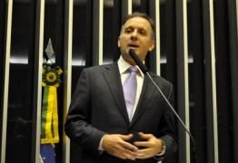 Aguinaldo Ribeiro afirma não concordar com decisão do partido em apoiar impeachment