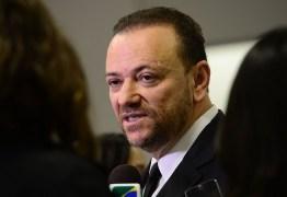 Ministro da Comunicação Social diz que não há nada errado na campanha de Dilma