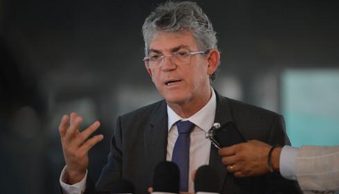 RICARDO 247 - MÍDIA NACIONAL: Ricardo defende Lula e Dilma, destaca transformações sociais e critica tucanos