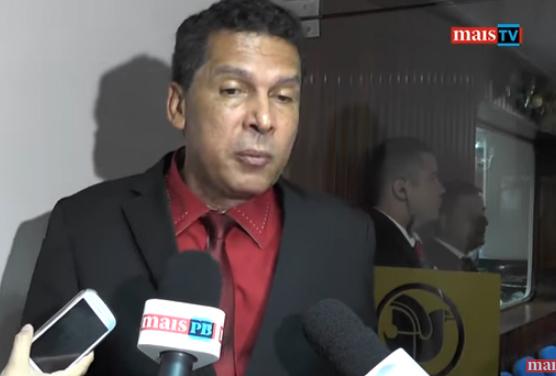 Ricardo Barbosa 1  - A CRISE ENTRE OS RICARDOS: O Barbosa deve ser convidado a deixar a bancada de situação - Por Heron Cid