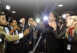 Impeachment: grupos se enfrentam na Câmara com 'palavras de ordem' – VEJA VÍDEO