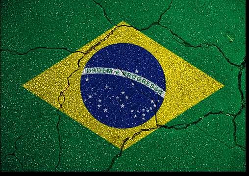 brasil rachado - VIVA O POVO BRASILEIRO: Manifestações desta sexta mostram um país dividido