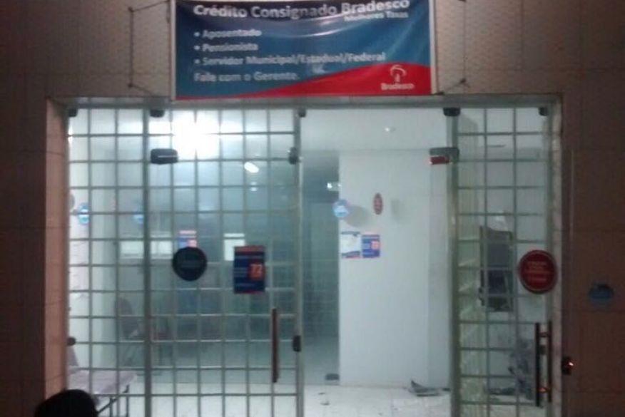 img 20160309 wa0000 - CONTINUA: Quatro homens explodem agência bancária em Livramento, no Cariri da PB