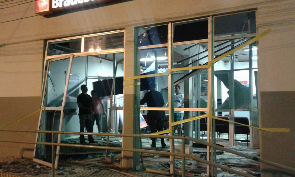 nass - NINGUÉM DETÉM: Bandidos explodem agência bancária no Cariri e caixa eletrônico no Agreste