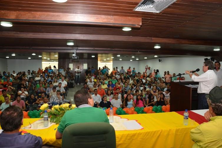 renato plenaria3 - João Azevêdo afirma que Cartaxo não sabe a diferença entre promessa e compromisso