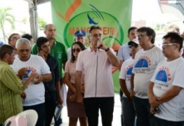 Festa em Mangabeira: Prefeito Cartaxo visita obra que beneficiará 160 mil