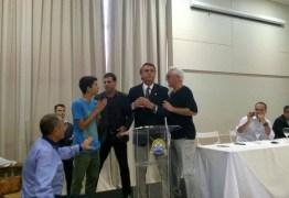 Bolsonaro não gosta de pergunta de estudante e manda jovem 'calar a boca'