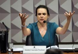 Senador fez janaína Paschoal concordar com o impeachment de Michel Temer; ASSISTA