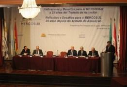 Após críticas ao golpe, parlamentares brasileiros se retiram de solenidade do Mercosul