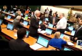 VEJA VÍDEO: por registro de presença, deputados batem boca antes mesmo de começar sessão