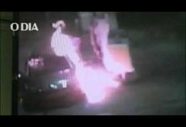 ASSALTANTE SE DEU MAL: Banhado em álcool, bandido pega fogo após atirar em frentista