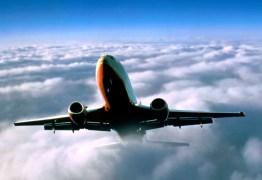 Avião movido a energia solar faz trajeto pelos EUA