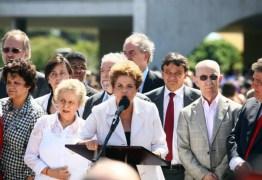 Dilma: Governo Temer é provisório; lutaremos para voltar