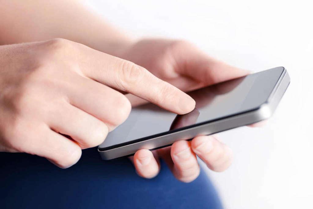 celular1 - Safra recebe autorização da Anatel para iniciar serviços de operadora móvel