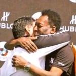 pelemaradonaabracojogodapaz09062016reproducaoyoutube - CBF se incomoda após Conmebol citar Maradona como 'melhor do mundo'