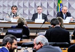 Comissão do impeachment dispensa 4 testemunhas para economizar tempo
