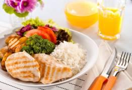 Especialista diz que nem todas as pessoas precisam comer a cada 3 horas