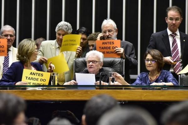 erundina - Para o PT não há saída digna que não seja apoiar Erundina - Por Paulo Nogueira