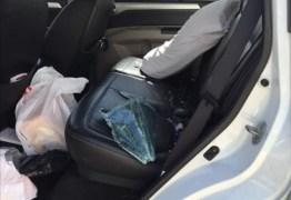 Jornalista tem carro arrombado em estacionamento de loja em Cabedelo