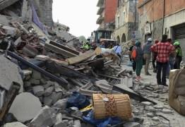 MAIS DE 100 MORTOS: Forte terremoto atinge a região central da Itália