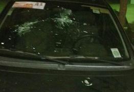 Vereadora é vítima de atentado e tem carro alvejado por criminosos