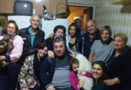 Gerson Brenner reaparece em SP ao lado da esposa; Ataque ao ator completa 18 anos