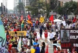 FORA TEMER: Manifestantes fazem ato contra governo Temer na Avenida Paulista