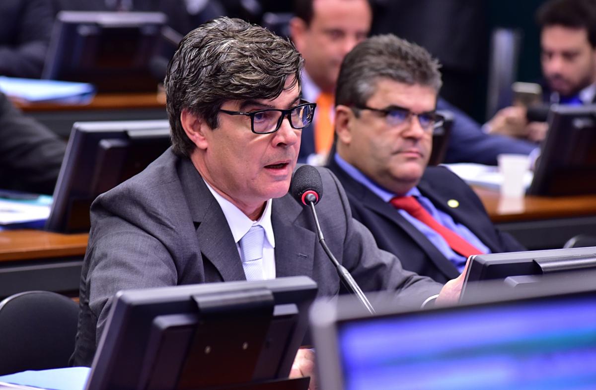 Imprensa nacional repercute posicionamento de deputado paraibano sobre reforma da previdência