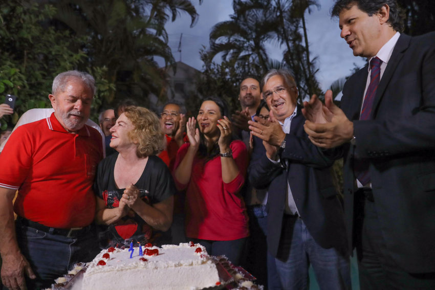 Aniversario presidente Lula Foto Ricardo Stuckert 27102016001 850x567 - Presidente do Instituto Lula acusa Lava Jato pelo AVC em dona Marisa