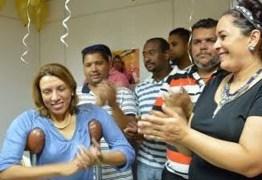 Cida Ramos recebe homenagem na volta ao trabalho na Secretaria de Desenvolvimento Humano