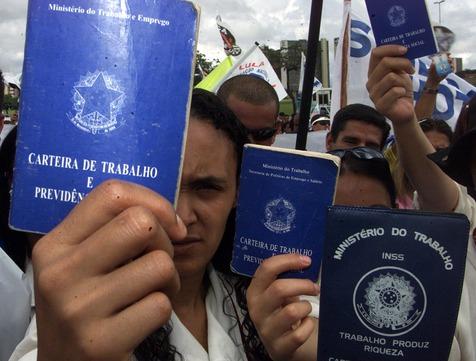desemprego - EM PLENÁRIO: Governo Temer quer concluir votação da reforma trabalhista na quinta-feira