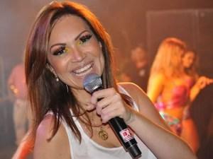solange almeida 300x225 - Solange Almeida recusa falar sobre Aviões do Forró