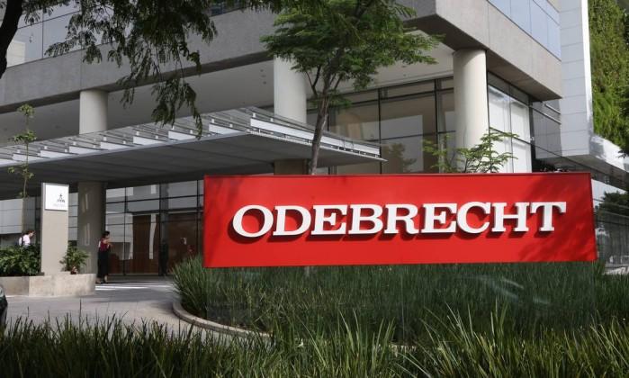 ODEBRECHT 1 - Mesmo depois de escândalo por roubo, governo seguiu pagando empreiteiras investigadas pela da Lava Jato