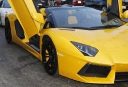 Senador Fernando Collor pagou Lamborghini com 1,2 milhões em dinheiro vivo