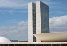 Confira a lista de senadores e deputados que recebem auxílio moradia mesmo tendo imóveis em Brasília