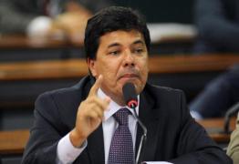 Ministro da Educação comete erro básico de português