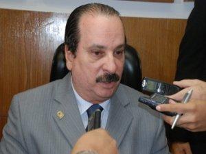 Durval 300x225 - Durval Ferreira abre mão da presidência municipal do Partido Progressista