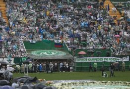Corpos de jogadores, jornalistas e diretoria da Chapecoense chegam a Santa Catarina; VEJA O VÍDEO