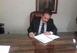 Após acordo com Adriano Galdino, Tião Gomes assume presidência da ALPB