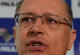 Governador de São Paulo cede equipamentos para bombear águas da transposição