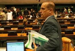 Ônyx Lorenzoni processa Renan por tê-lo acusado de prática de caixa dois